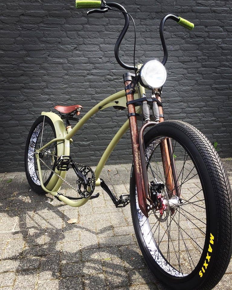 Ruff Cycles Hardtime handmade custom bycicle